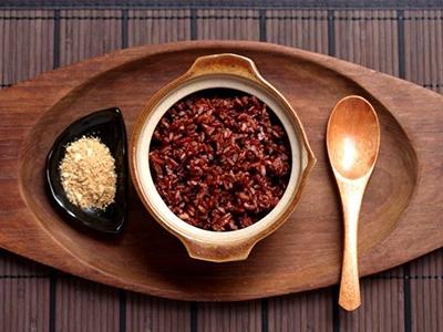 Gạo lứt - thực phẩm vàng giúp giảm cân sau sinh hiệu quả